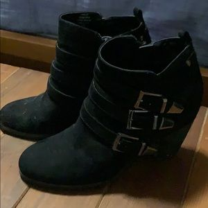 Woman's size 6.5 Crown Vintage boots
